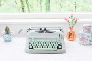 vintage-hermes-media-3-typemachine-mintgroen-2-1024x683